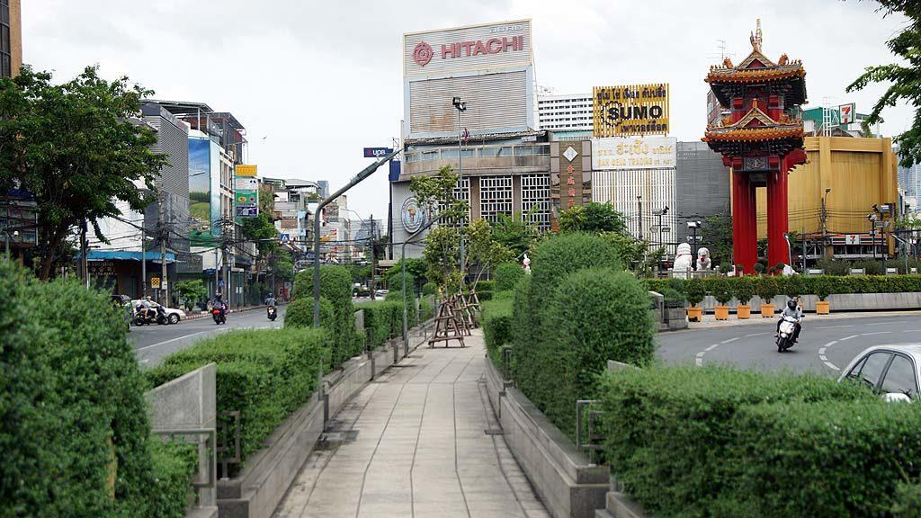 Gate to Chinatown Bangkok