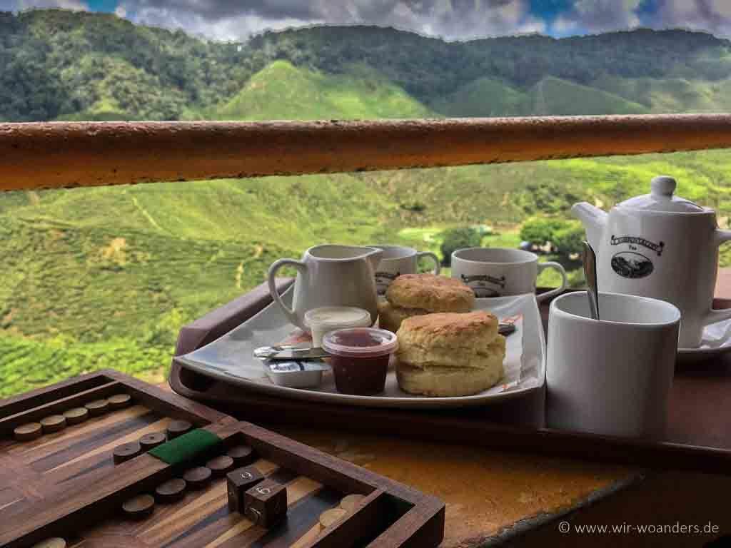 Tea & Scones with Backgammon