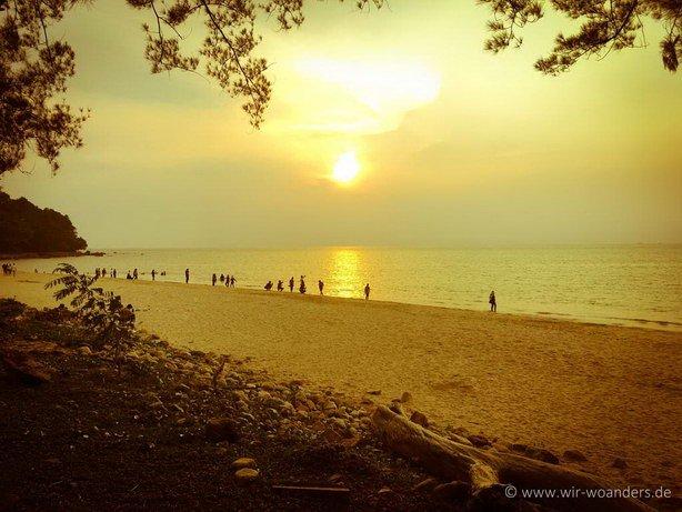 damai_beach_sarawak_sunset