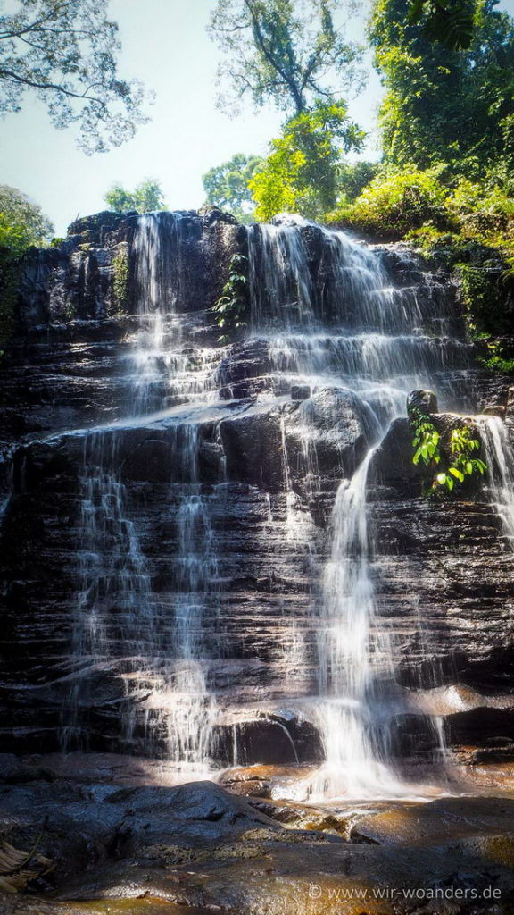 kubah_national_park_borneo_waterfall